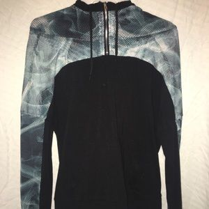 Tops - Black & blue Smokey pull over